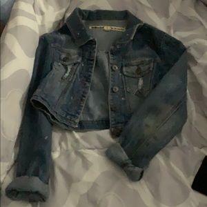 Short destroyed denim jacket